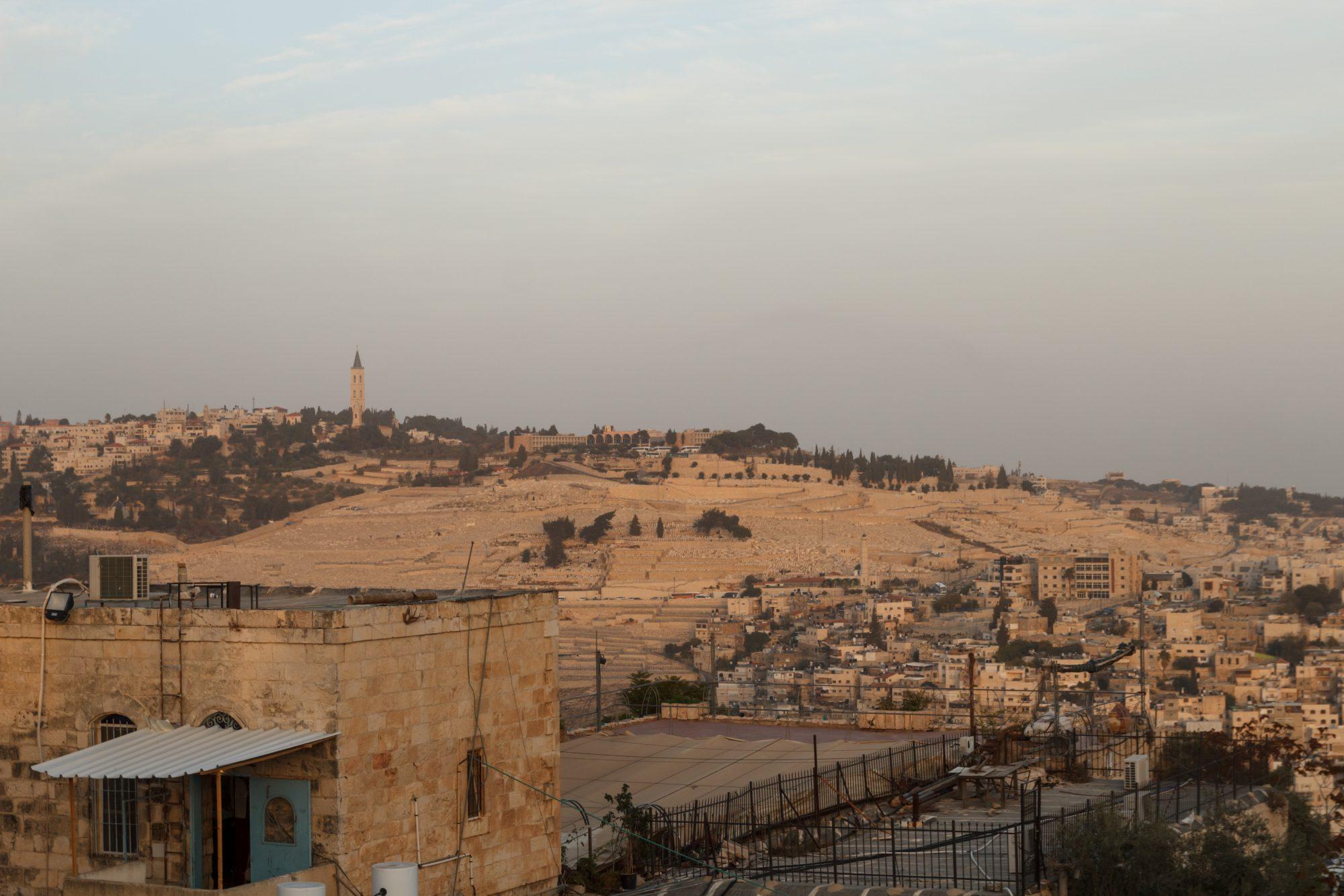 Вид на Елеонскую гору с крыши Сионской горницы